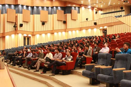 12 دانلود سخنرانی استاد عباسی با موضوع از حق ترسیدن تا حق توانستن+گزارش تصویری