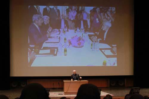 17 دانلود سخنرانی استاد عباسی با موضوع از حق ترسیدن تا حق توانستن+گزارش تصویری