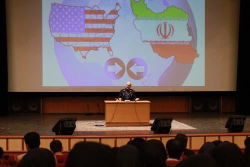18 دانلود سخنرانی استاد عباسی با موضوع از حق ترسیدن تا حق توانستن+گزارش تصویری