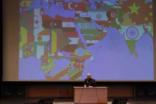 2 دانلود سخنرانی استاد عباسی با موضوع از حق ترسیدن تا حق توانستن+گزارش تصویری