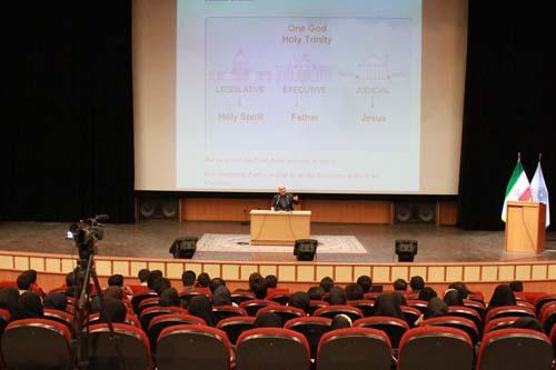 7 دانلود سخنرانی استاد عباسی با موضوع از حق ترسیدن تا حق توانستن+گزارش تصویری