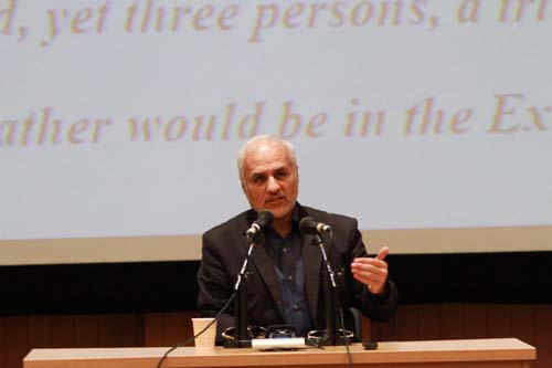 8 دانلود سخنرانی استاد عباسی با موضوع از حق ترسیدن تا حق توانستن+گزارش تصویری