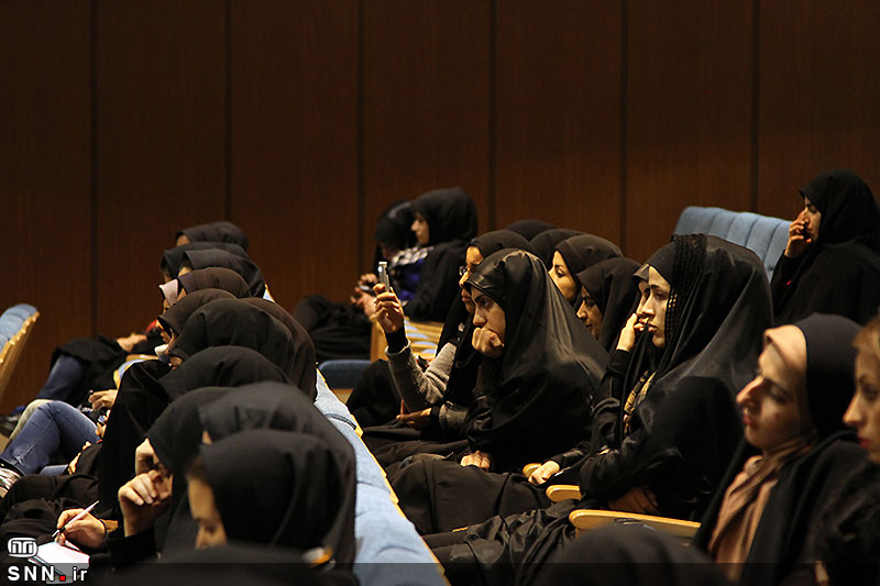 گزارش تصویری// سخنرانی استاد حسن عباسی در دانشگاه ایلام