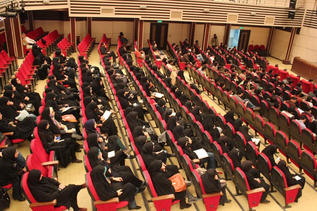 گزارش تصویری؛ سخنرانی استاد حسن عباسی با موضوع یک دانشگاه، دو پارادایم