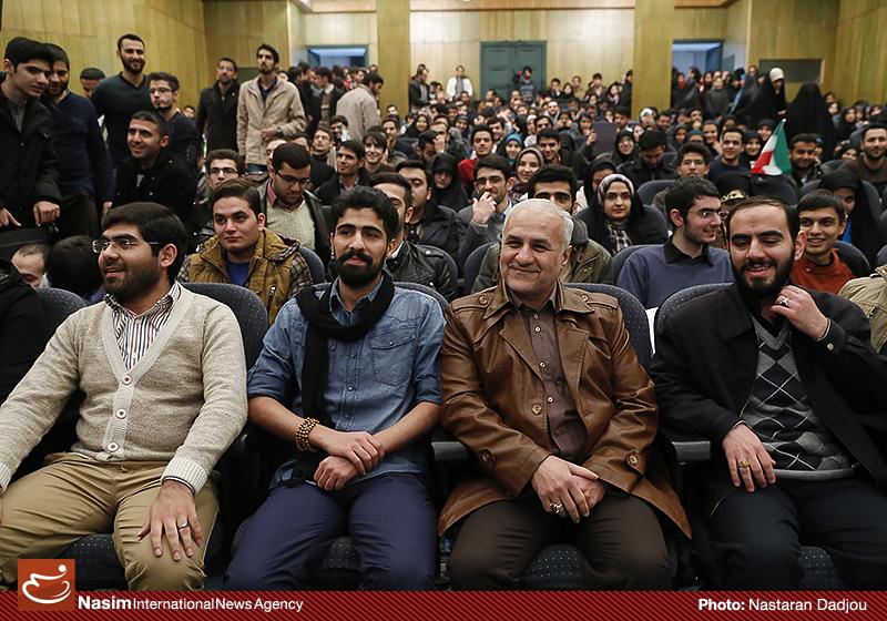 http://dl-abbasi.ir/yekta/1394/image/University-of-Tehran-94/IMG17291261.jpg