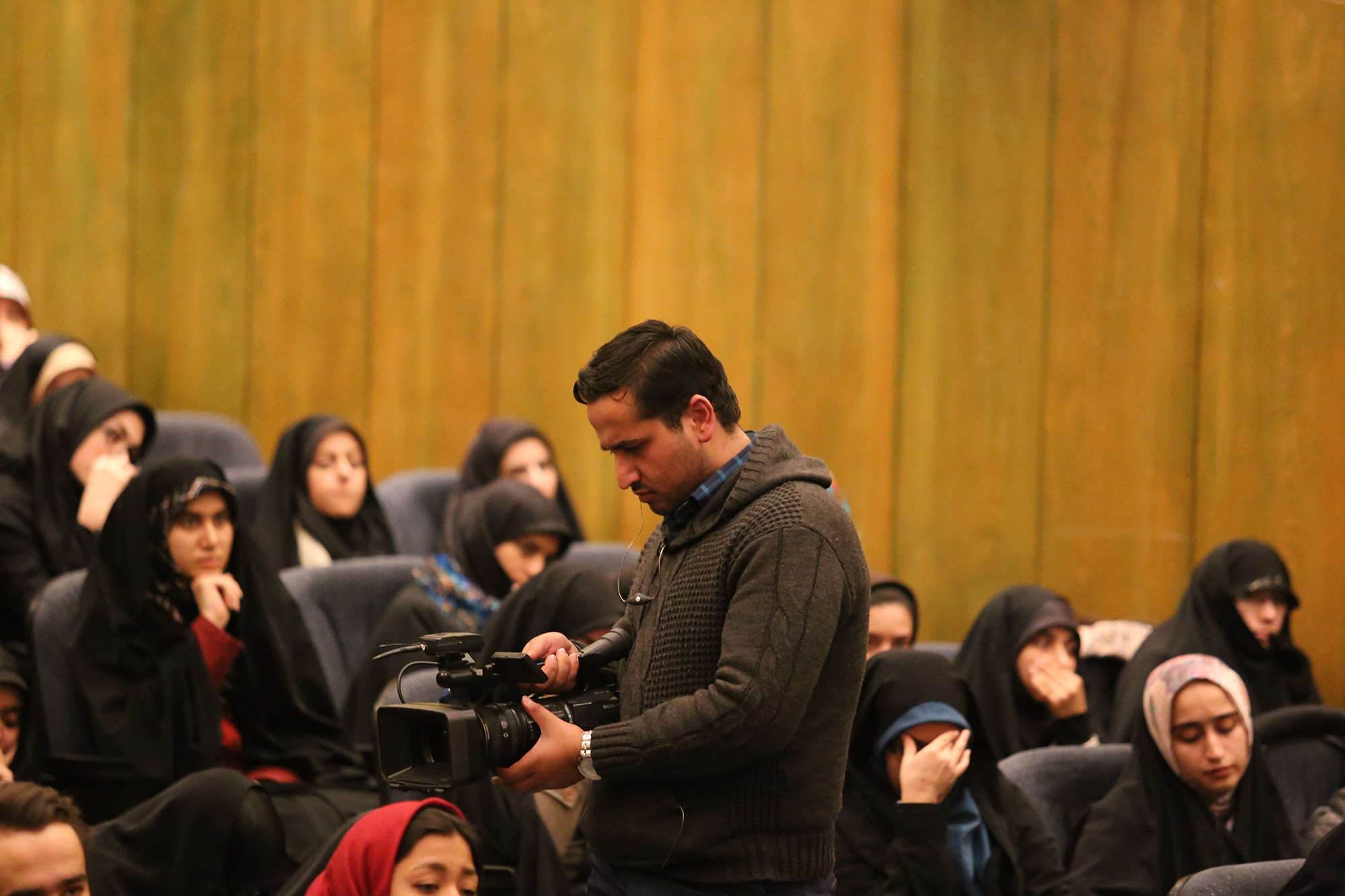 سخنرانی استاد حسن عباسی در دانشگاه تهران ـ گزارشی به دکتر شریعتی در سوریه …آری اینچنین شد برادر