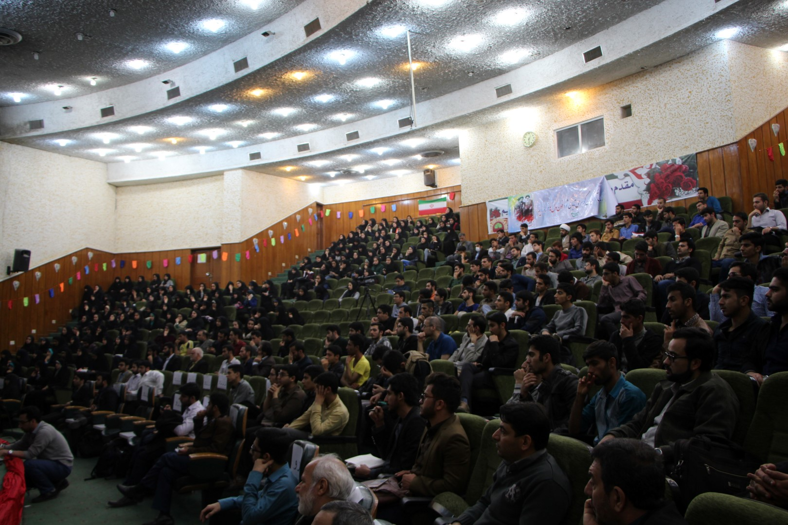 IMG 5194 گزارش تصویری؛ سخنرانی استاد حسن عباسی با موضوع از چوئن لای تا سیاست درهای باز