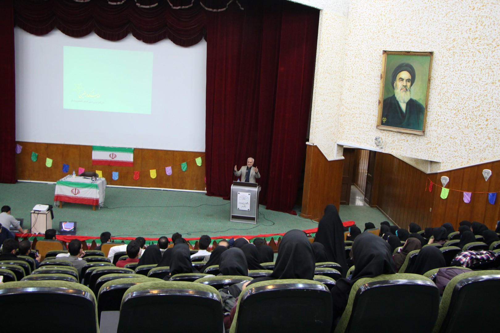 IMG 5266 گزارش تصویری؛ سخنرانی استاد حسن عباسی با موضوع از چوئن لای تا سیاست درهای باز