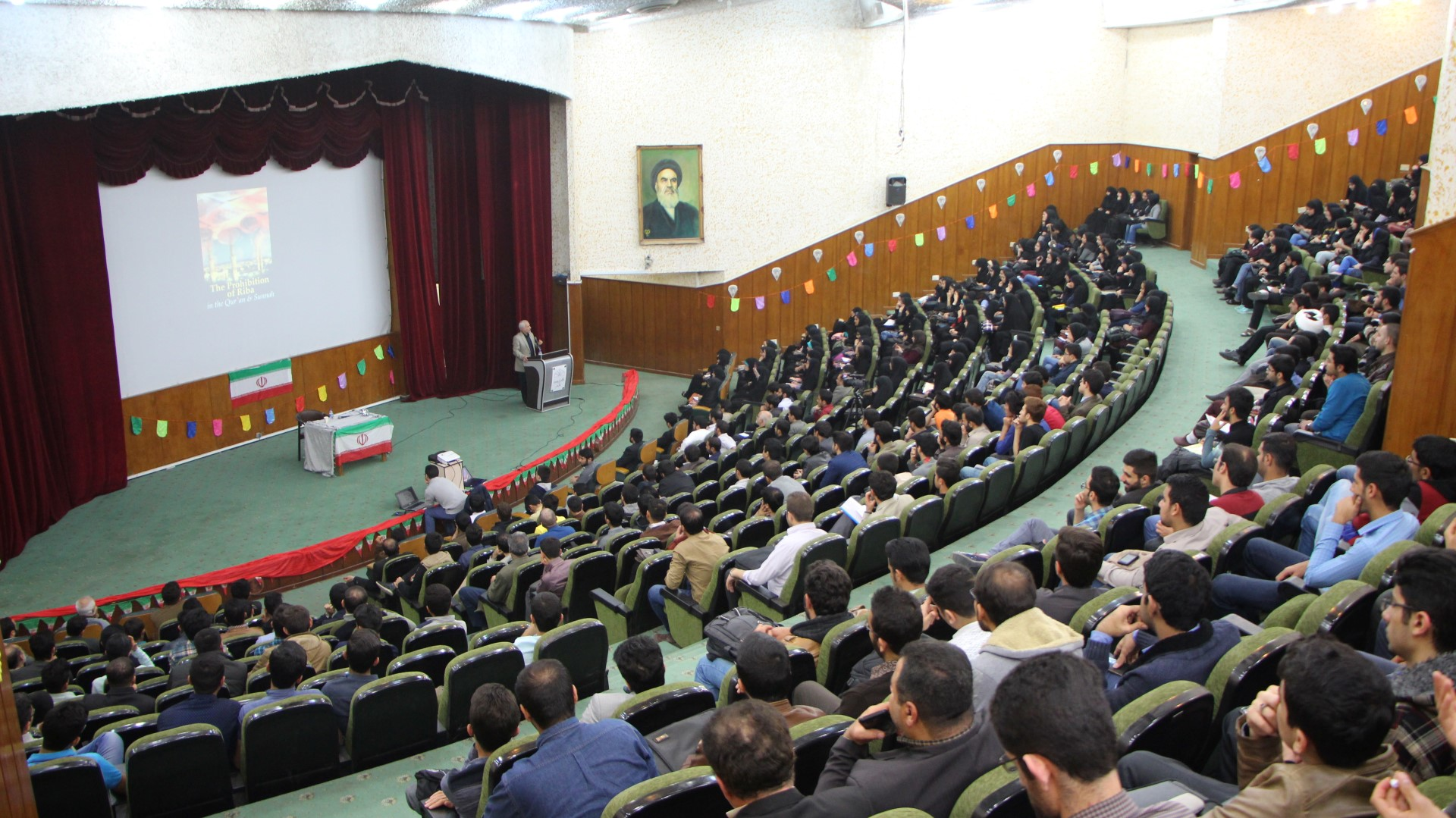 IMG 5278 گزارش تصویری؛ سخنرانی استاد حسن عباسی با موضوع از چوئن لای تا سیاست درهای باز