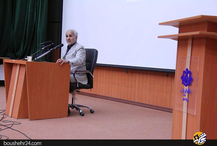 IMG07 گزارش تصویری؛سخنرانی استاد حسن عباسی با موضوع ایران ۱۴۱۴ در جهان ۲۰۳۵