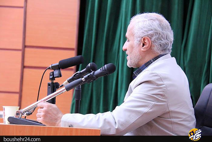 IMG12 گزارش تصویری؛سخنرانی استاد حسن عباسی با موضوع ایران ۱۴۱۴ در جهان ۲۰۳۵