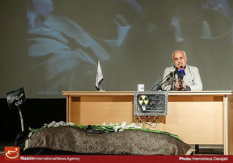 635959088772897112 به گفته عکسی؛ سخنرانی استاد حسن عباسی با موضوع سایه روشنهای دکترین ملی تکنولوژی جمهوری اسلامی ایران