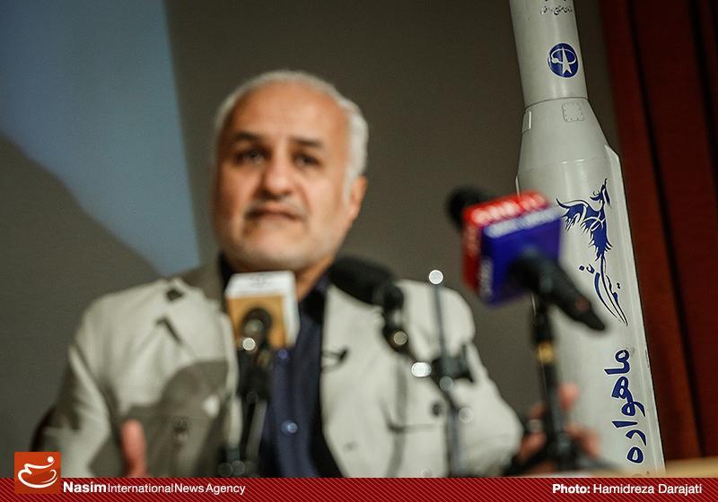 635959088846061240 به گفته عکسی؛ سخنرانی استاد حسن عباسی با موضوع سایه روشنهای دکترین ملی تکنولوژی جمهوری اسلامی ایران