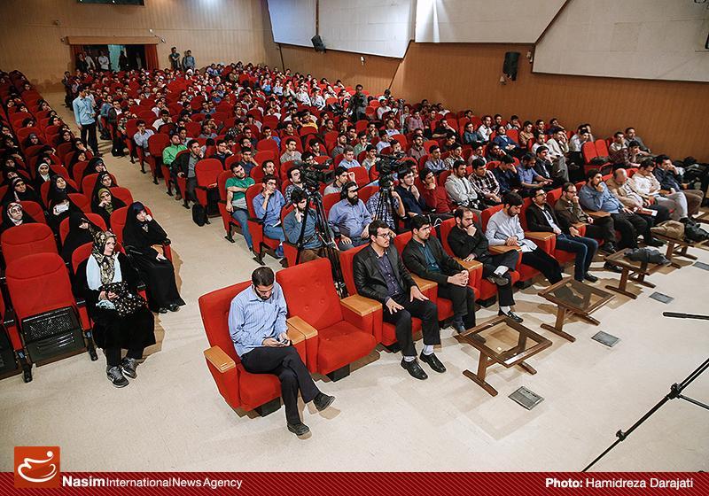 635959088895201326 به گفته عکسی؛ سخنرانی استاد حسن عباسی با موضوع سایه روشنهای دکترین ملی تکنولوژی جمهوری اسلامی ایران