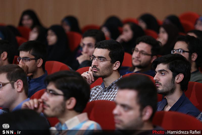 IMG23152915 به گفته عکسی؛ سخنرانی استاد حسن عباسی با موضوع سایه روشنهای دکترین ملی تکنولوژی جمهوری اسلامی ایران
