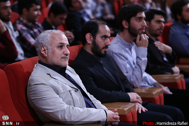 IMG23154924 به گفته عکسی؛ سخنرانی استاد حسن عباسی با موضوع سایه روشنهای دکترین ملی تکنولوژی جمهوری اسلامی ایران