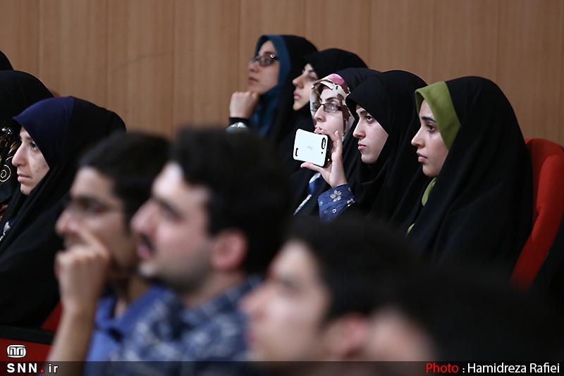 IMG23155760 به گفته عکسی؛ سخنرانی استاد حسن عباسی با موضوع سایه روشنهای دکترین ملی تکنولوژی جمهوری اسلامی ایران