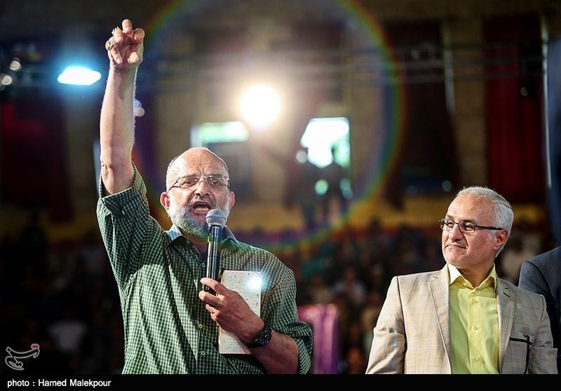 13950230223501427734014 حضور استاد حسن عباسی در جشن سهسالگی طنز سیاسی دکتر سلام