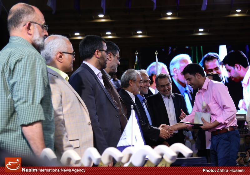 635993025328494078 حضور استاد حسن عباسی در جشن سهسالگی طنز سیاسی دکتر سلام
