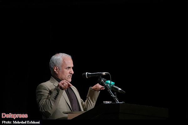 140070 نقل از عکسی؛ سخنرانی استاد حسن عباسی در اختتامیه دومین جشنواره بین المللی کاریکاتور «هولوکاست»