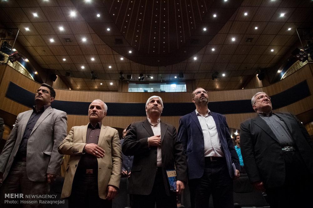 2093095 نقل از عکسی؛ سخنرانی استاد حسن عباسی در اختتامیه دومین جشنواره بین المللی کاریکاتور «هولوکاست»