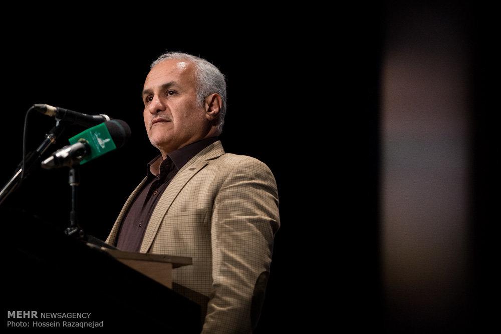 2093101 نقل از عکسی؛ سخنرانی استاد حسن عباسی در اختتامیه دومین جشنواره بین المللی کاریکاتور «هولوکاست»