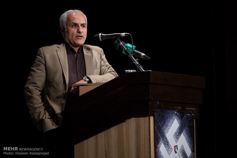 2093103 نقل از عکسی؛ سخنرانی استاد حسن عباسی در اختتامیه دومین جشنواره بین المللی کاریکاتور «هولوکاست»
