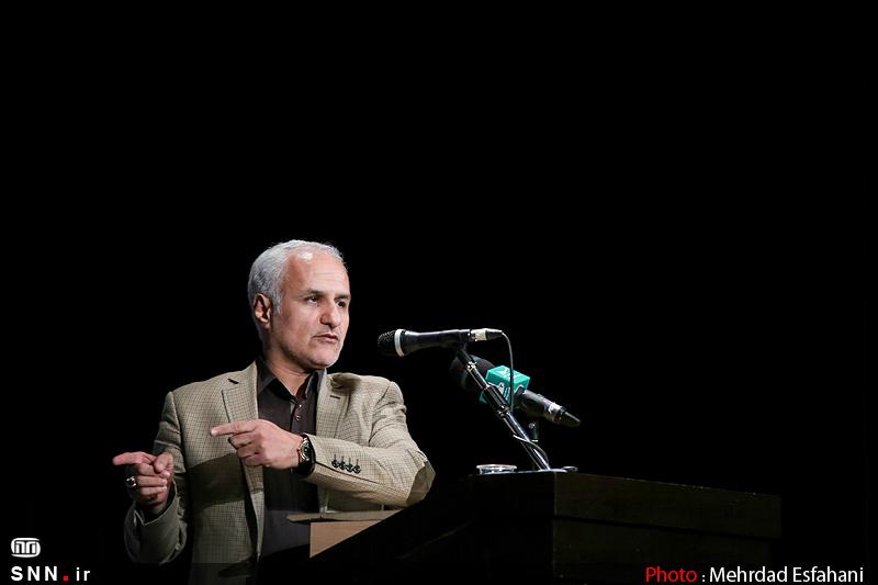IMG22132075 نقل از عکسی؛ سخنرانی استاد حسن عباسی در اختتامیه دومین جشنواره بین المللی کاریکاتور «هولوکاست»
