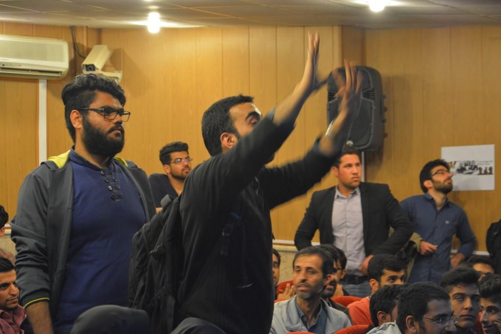 DSC 6755 نقل از عکسی؛ سخنرانی استاد حسن عباسی با موضوع مهندسی سیاسی و همچنین دار و همچنین دستهی نیویورکیها