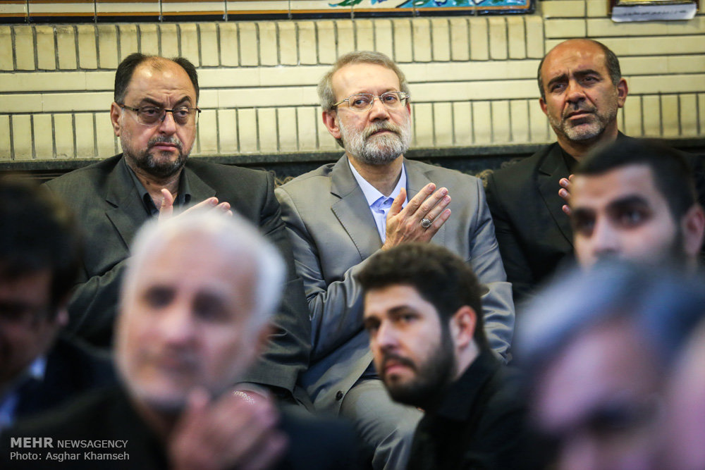 2075612 حضور استاد حسن عباسی در مراسم ترحیم سردار شهید محمد ناظری