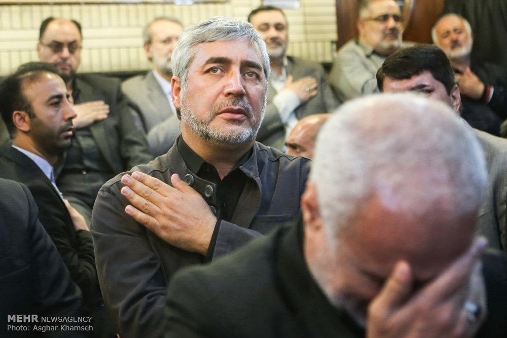 2075618 حضور استاد حسن عباسی در مراسم ترحیم سردار شهید محمد ناظری