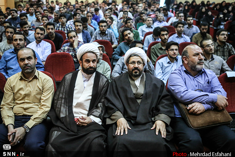 IMG21373283 به گفته عکسی؛ سخنرانی استاد حسن عباسی با موضوع جمهوری اسلامی یا جمهوری لیبرال، پیشامد جدید آن می باشد