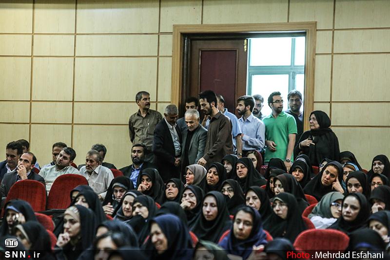 IMG21380751 به گفته عکسی؛ سخنرانی استاد حسن عباسی با موضوع جمهوری اسلامی یا جمهوری لیبرال، پیشامد جدید آن می باشد