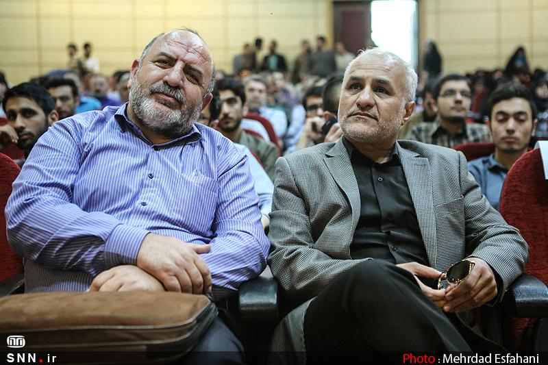 IMG21381286 به گفته عکسی؛ سخنرانی استاد حسن عباسی با موضوع جمهوری اسلامی یا جمهوری لیبرال، پیشامد جدید آن می باشد