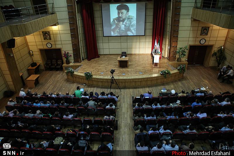 IMG21384133 به گفته عکسی؛ سخنرانی استاد حسن عباسی با موضوع جمهوری اسلامی یا جمهوری لیبرال، پیشامد جدید آن می باشد