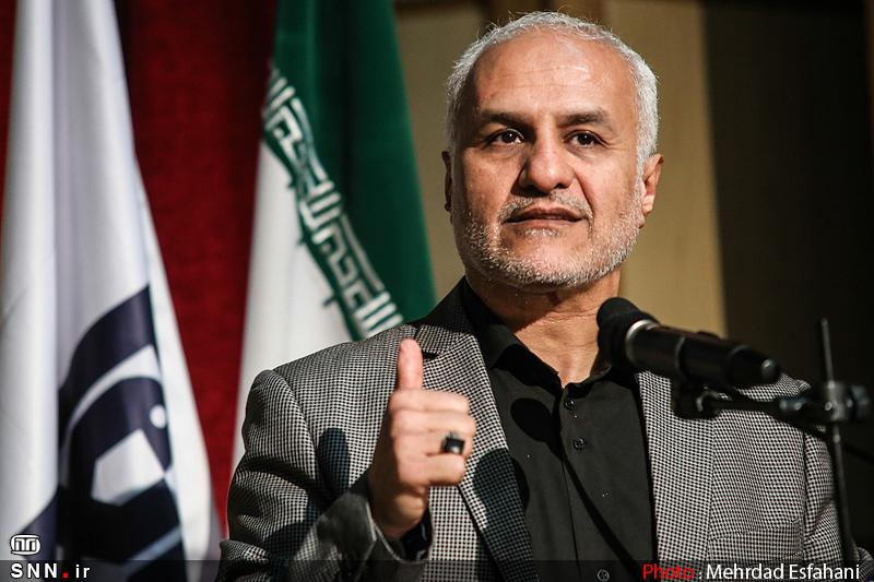 IMG21395368 به گفته عکسی؛ سخنرانی استاد حسن عباسی با موضوع جمهوری اسلامی یا جمهوری لیبرال، پیشامد جدید آن می باشد