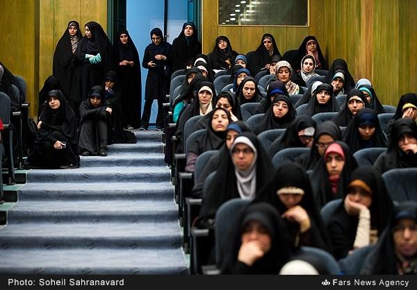 13950228163152794 نقل از عکسی؛ سخنرانی استاد حسن عباسی با موضوع من جوانی منتظرم، پس هستم!