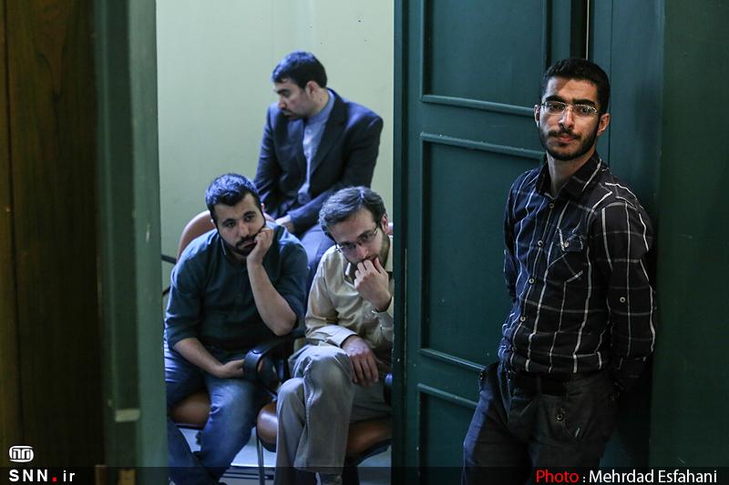 IMG21185404 نقل از عکسی؛ سخنرانی استاد حسن عباسی با موضوع من جوانی منتظرم، پس هستم!