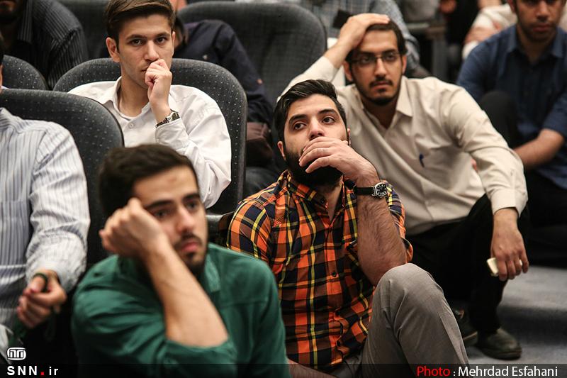 IMG21191851 نقل از عکسی؛ سخنرانی استاد حسن عباسی با موضوع من جوانی منتظرم، پس هستم!