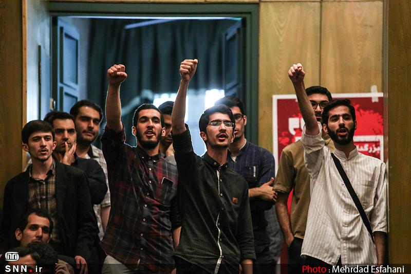 IMG21201018 نقل از عکسی؛ سخنرانی استاد حسن عباسی با موضوع من جوانی منتظرم، پس هستم!