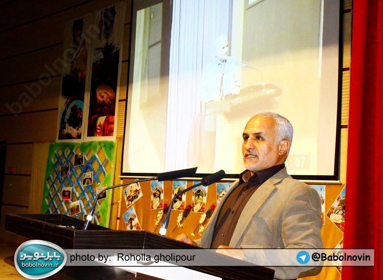 11 2 به گفته عکسی؛ سخنرانی استاد حسن عباسی با موضوع استراتژی کودک و همچنین تمدن نوین اسلامی