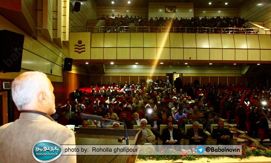 12 2 به گفته عکسی؛ سخنرانی استاد حسن عباسی با موضوع استراتژی کودک و همچنین تمدن نوین اسلامی
