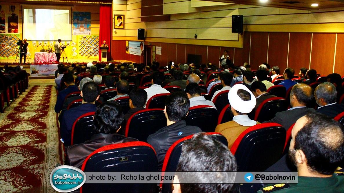 15 2 به گفته عکسی؛ سخنرانی استاد حسن عباسی با موضوع استراتژی کودک و همچنین تمدن نوین اسلامی