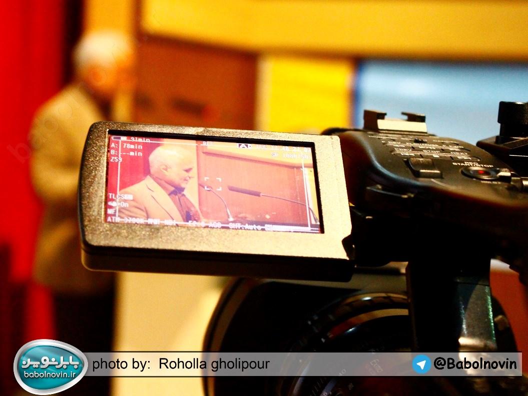 16 1 به گفته عکسی؛ سخنرانی استاد حسن عباسی با موضوع استراتژی کودک و همچنین تمدن نوین اسلامی