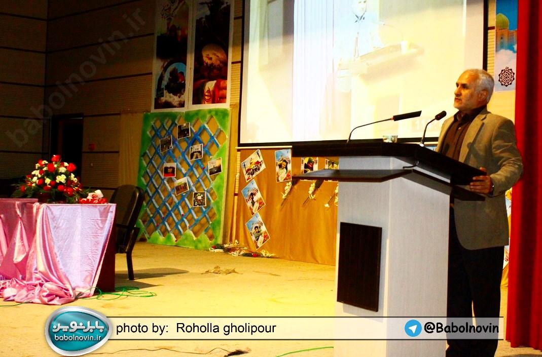 17 1 به گفته عکسی؛ سخنرانی استاد حسن عباسی با موضوع استراتژی کودک و همچنین تمدن نوین اسلامی
