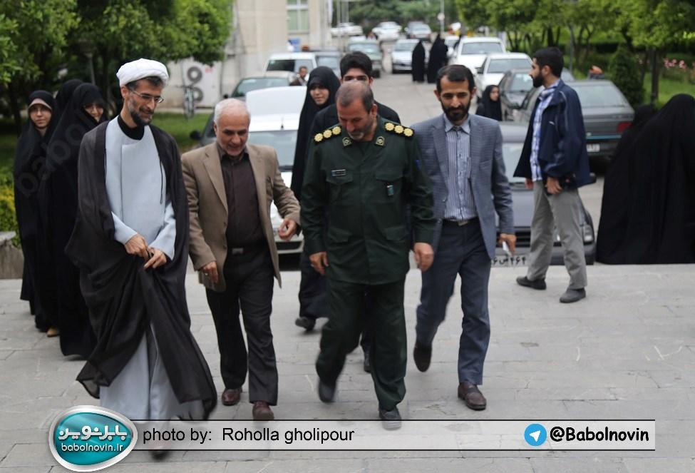 2 4 به گفته عکسی؛ سخنرانی استاد حسن عباسی با موضوع استراتژی کودک و همچنین تمدن نوین اسلامی
