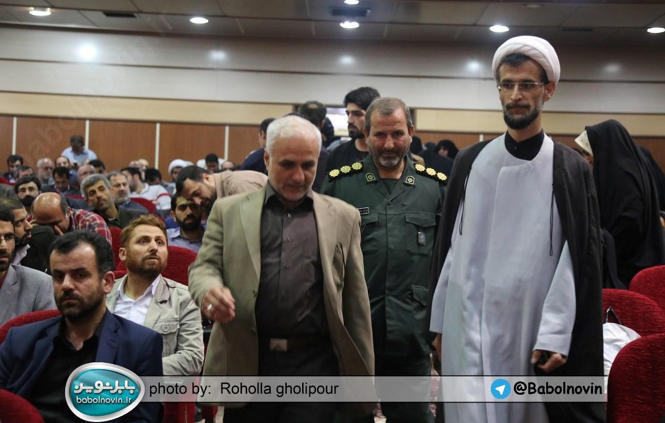 3 4 به گفته عکسی؛ سخنرانی استاد حسن عباسی با موضوع استراتژی کودک و همچنین تمدن نوین اسلامی