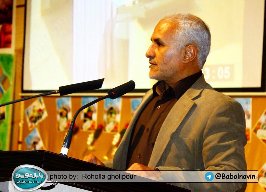7 4 به گفته عکسی؛ سخنرانی استاد حسن عباسی با موضوع استراتژی کودک و همچنین تمدن نوین اسلامی
