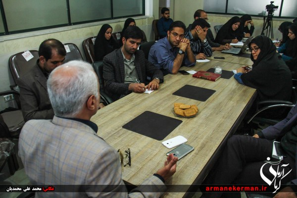 نشست خبری استاد حسن عباسی با رسانه های استان کرمان