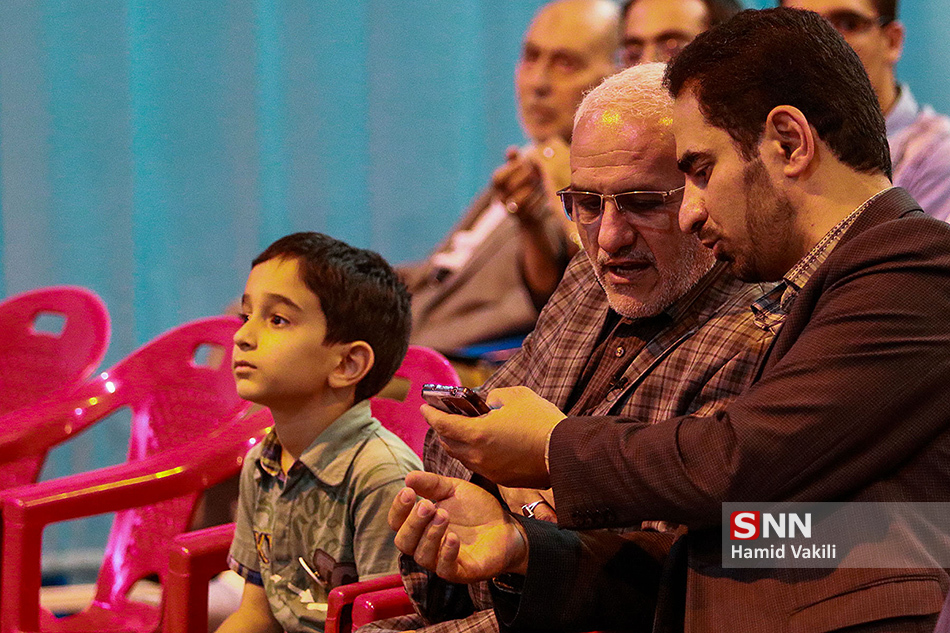 سخنرانی استاد حسن عباسی در اصفهان - نمایشگاه ایراننوشت
